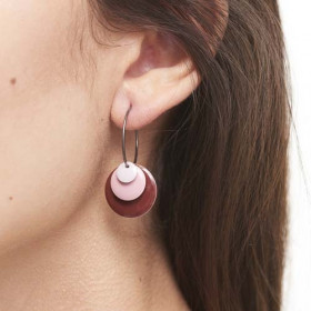 Drops øreringe i forgyldt sølv og emalje fra Enamel
