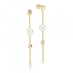 Lange Jackie øreringe i guld med hvide perler og zirkoner fra Izabel Camille.