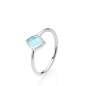 Precious ring i sølv med en himmelblå calcedon fra Izabel Camille-
