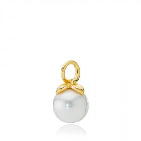 Berry vedhæng i guld med hvid shell perle fra Izabel Camille.
