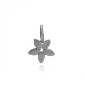 Magnolia vedhæng i sølv sort fra Izabel Camille